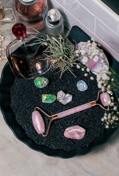 Rose Quartz Meaning and Healing Properties - Energy Muse